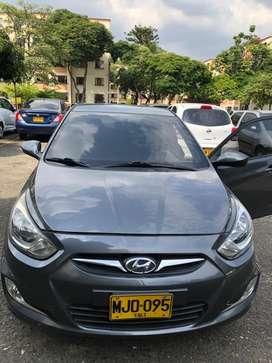 Hyundai i25 modelo 2013