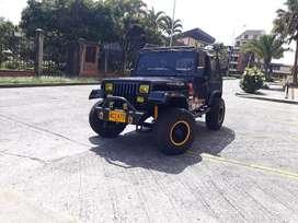 Vendo o cambio a camioneta. Jeep cj7 wrangler