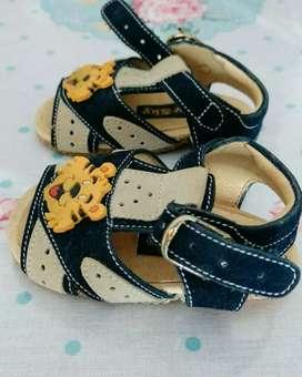 Sandalias hermosas sin uso super delicadas!!! Escucho ofertas Nro 16