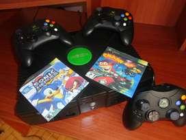 Xbox caja negra + 3 controles originales