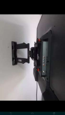 Se instalan bases fijas y movibles para su televisor