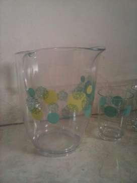Jarra Y 4 Vasos Plastico Marca Estras