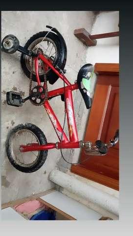 Bicicleta aro 12 en buen estado