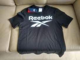 Reebok camiseta negra