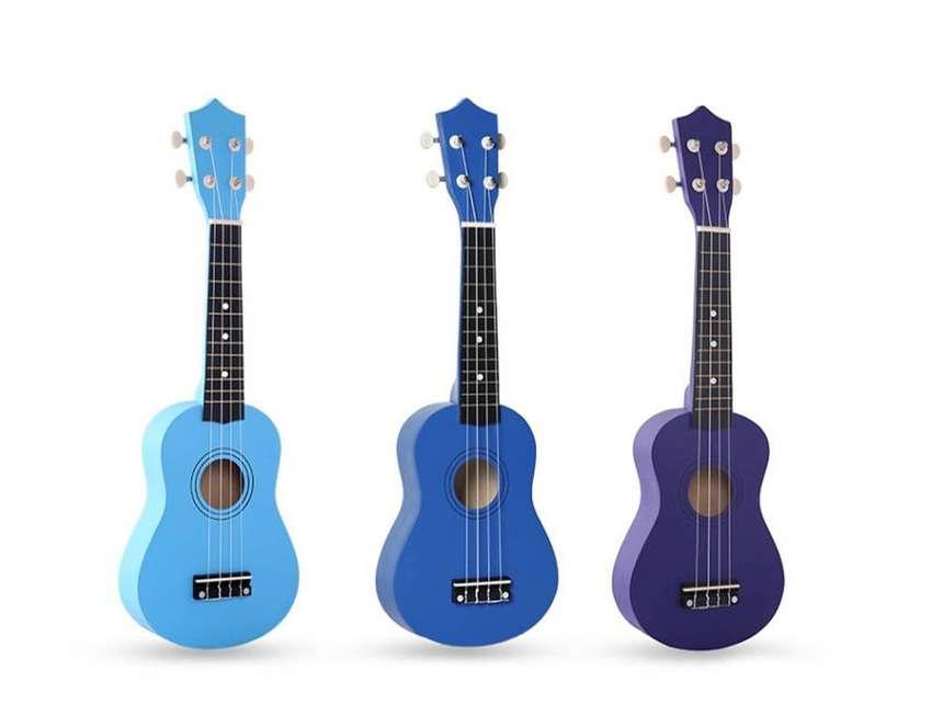 ukulele soprano ukelele colores - San Borja 0