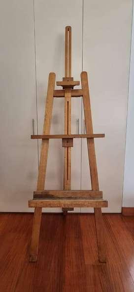 Caballete o Atril de madera regulable