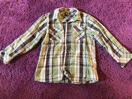 Vendo camisa marca GRISINO original impecable.