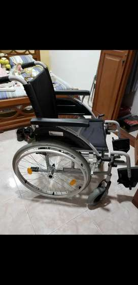 Se vende silla de ruedas Marca Konfor Standard