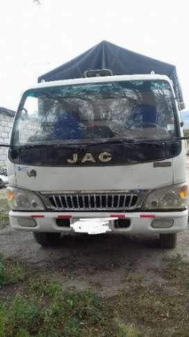 Se vende un camión macra JAC .