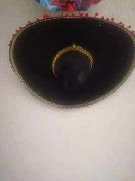 Se vende gorro de mariachi para niño