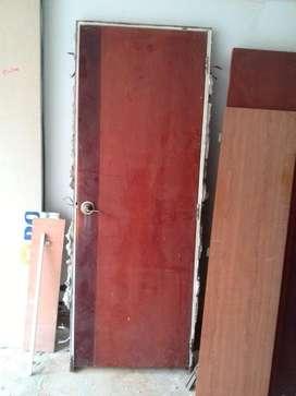 hermosa puerta de madera baño, alcoba o cocina