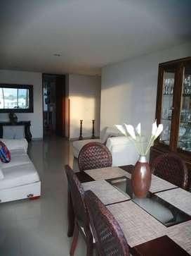 amplio y hermoso apartamento, bastante iluminado y ventilado.