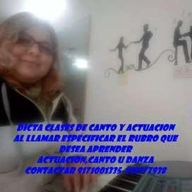 Profesora de Canto y Actuacion