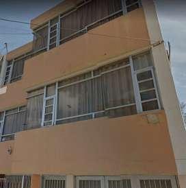 Casa rentable de tres pisos en Chiquinquirá.