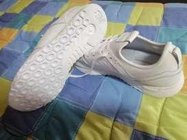 Zapatos Two four seven NEW BALANCE