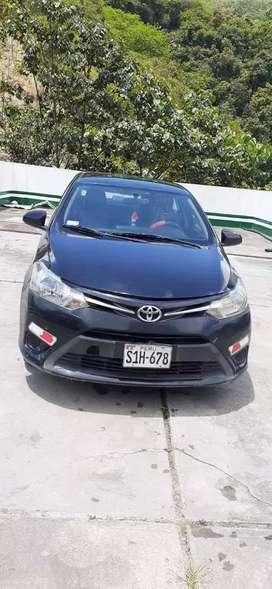 Vendo Toyota Yaris 2014 full