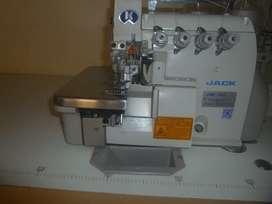 Venta de máquina de coser industrial overlock