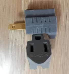 Adaptador de corriente con entrada polo a tierra