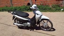 vendo Honda Biz 125 cc a $ 200 mil