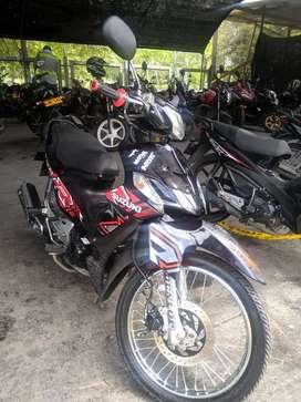 Vendo o permuto moto viva r se encuentra con papeles al día