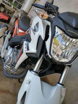 Vendo o permuto Honda Twister CB 250cc