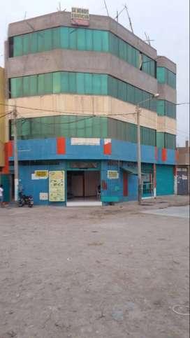 ALQUILER DE LOCAL COMERCIAL EN ESQUINA Y AV PRINCIPAL PARA BOTICA