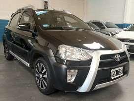Toyota Etios cross.Vendo o permuto