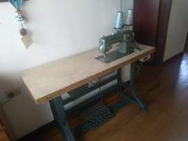 Se vende maquina de coser semi industrial marca refrey con tecnologia pfaff