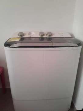 Se vende excelente lavadora de dos motores