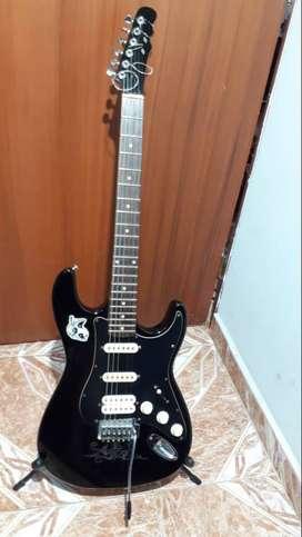 Guitarra Vorson V-155 con estuche y accesorios