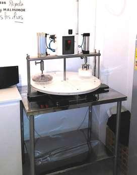Máquina para fabricar empanadas.
