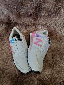 zapato para mujer y niña