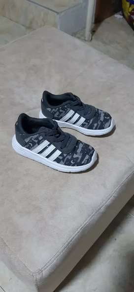 Vendo zapatillas adidas kids