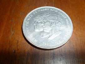 Moneda Elizabeth II DG REG FD 1981 H.R.H. The Prince Of Wales and Lady Diana Spencer
