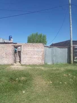 Permuvendo casa 3habitacuin 1 baño comedor y cocina muro todo cerrado