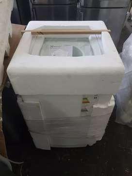 Lavarropa Electrolux Fuzzywash 6,5K Outlet