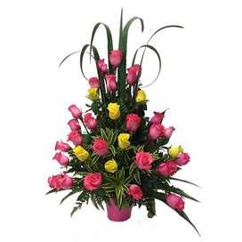 Arreglo Floral con rosas mágicas