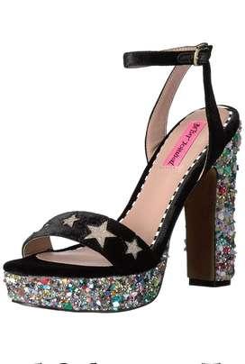 Zapatos altos Betsey Johnson