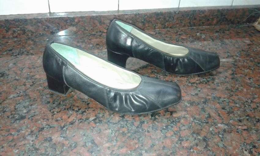 Zapatos de Mujer de Cuero Usados 42/43 0