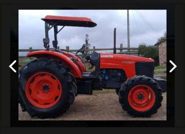 Tractor Kubota M105S 0