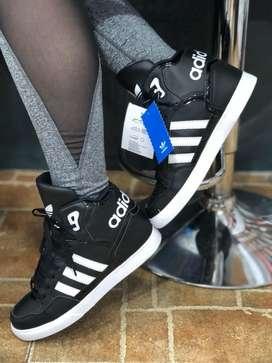 Adidas en Bota