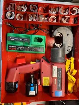 Ponchadora hidraulica 12 toneladas de presion a bateria para conectores electricos hasta 750 MCM