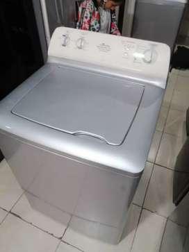 Lavadora 32 libras, marca centrales, de perilla, con molino largo, incluye domicilio a Medellín