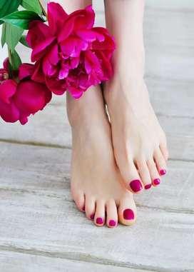 Uñas esculpidas en pies y manos
