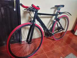 Bicicleta de Pista GW.  Negra-Rojo.
