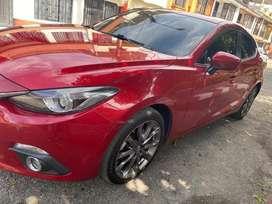 Vendo o cambio Mazda 3 2017 por xt 660 mas encime
