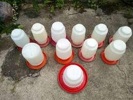 Bebedero Avicola Aves Plástico Capacidad 5 Litros