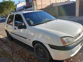 Vendo Ford Fiesta mod 2001