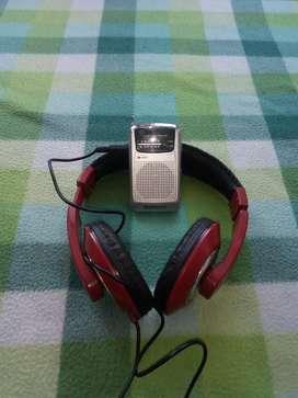 Radio pequeño sonaki EV-R600 con audífonos diadema