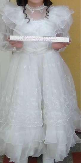Vestido de primera de comunión para niña